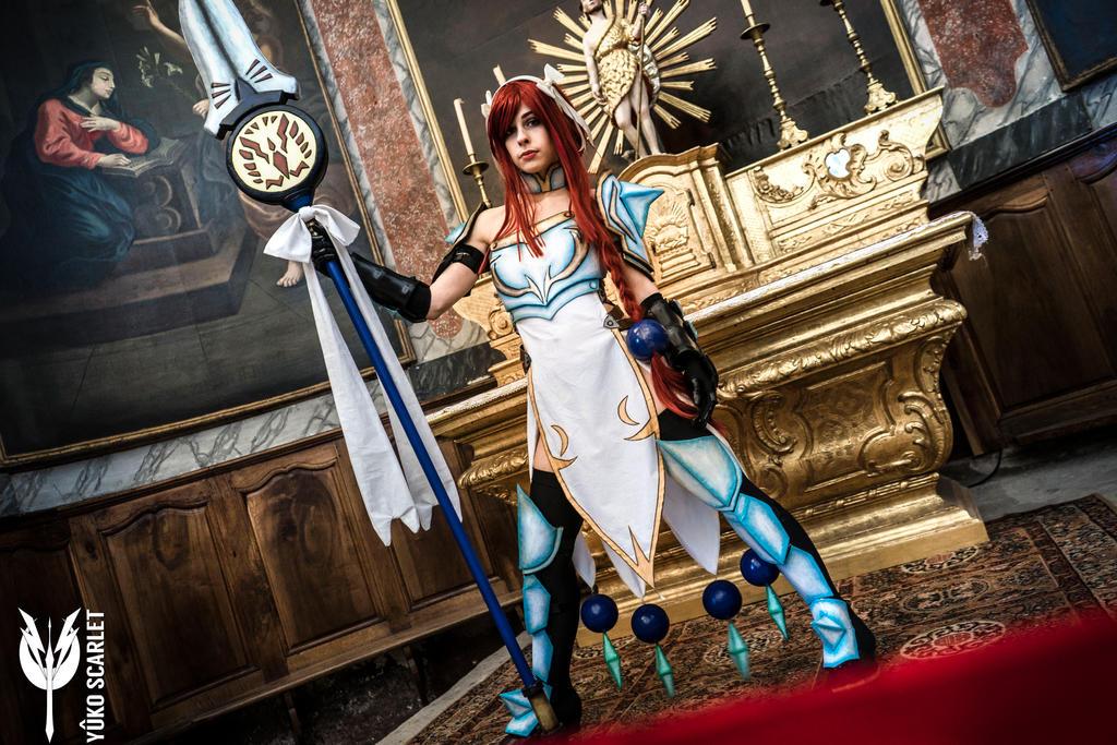 erza scarlet lightning empress armor cosplay by