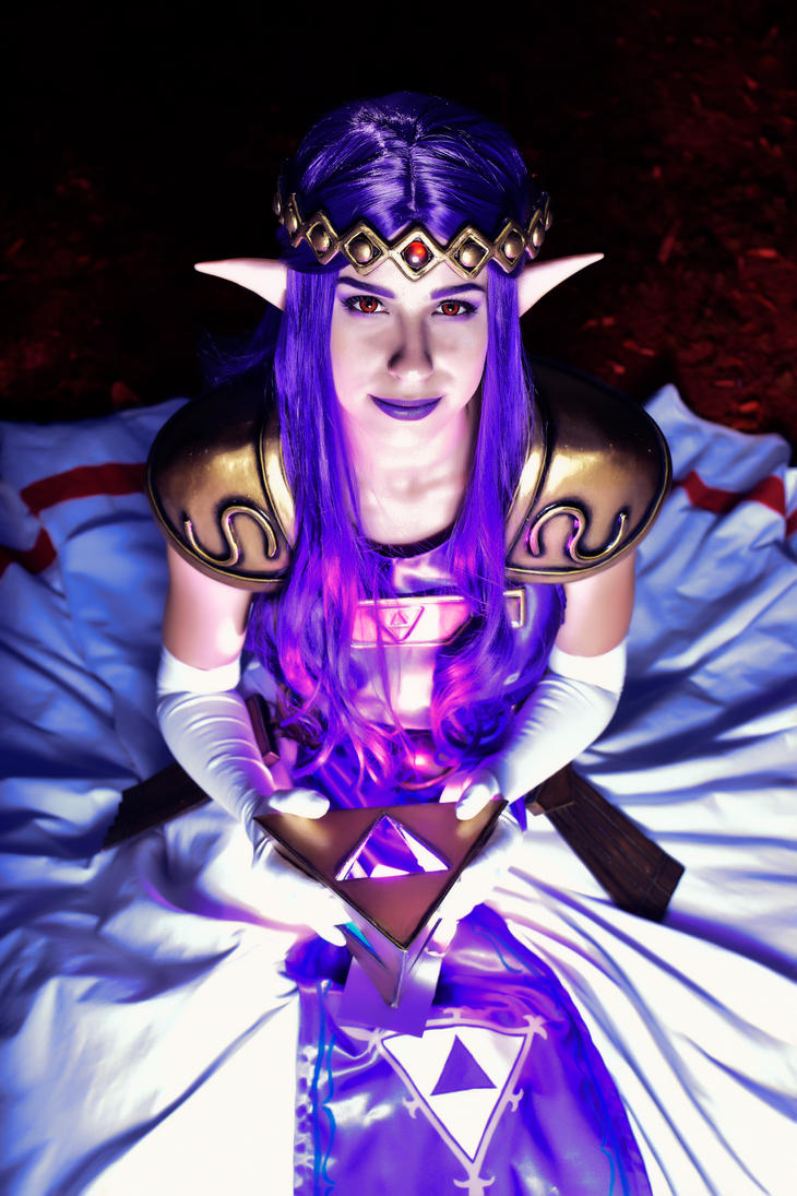 Princess Hilda Cosplay /TLOZ-A Link Between Worlds by YuukoScarlet