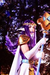 Princess Hilda Cosplay by YuukoScarlet