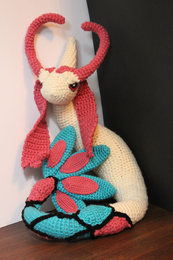 Milotic Amigurumi (Pokemon) by ElleDOS