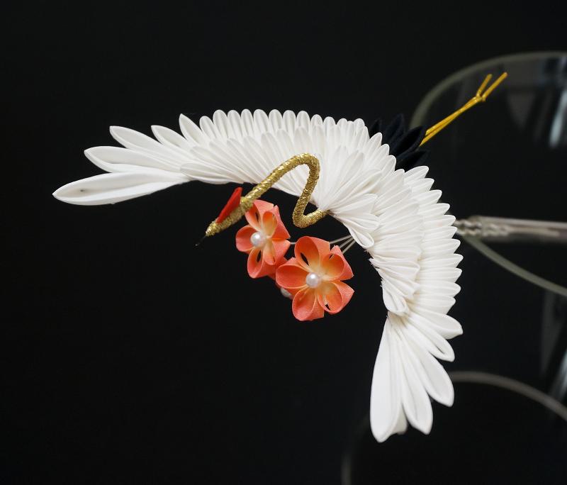 Tsuru Crane Tsumami Kanzashi With Peach Blossoms By