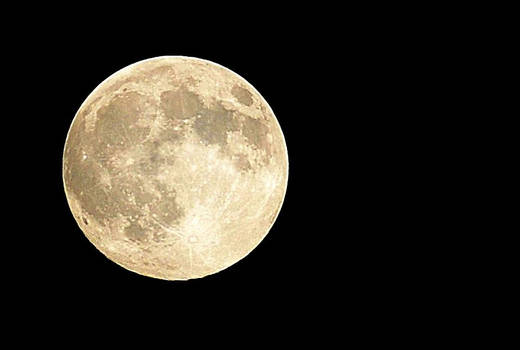 Super Moon Zoomed