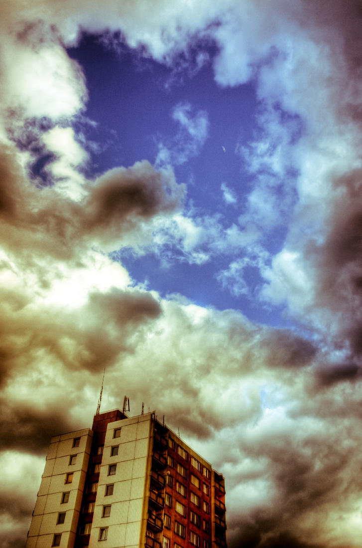 City's sky by tod93cz