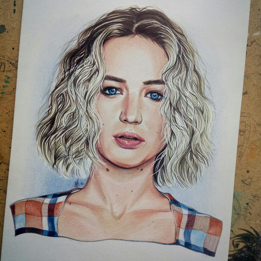 Qeen Jennifer by Karenscarlet