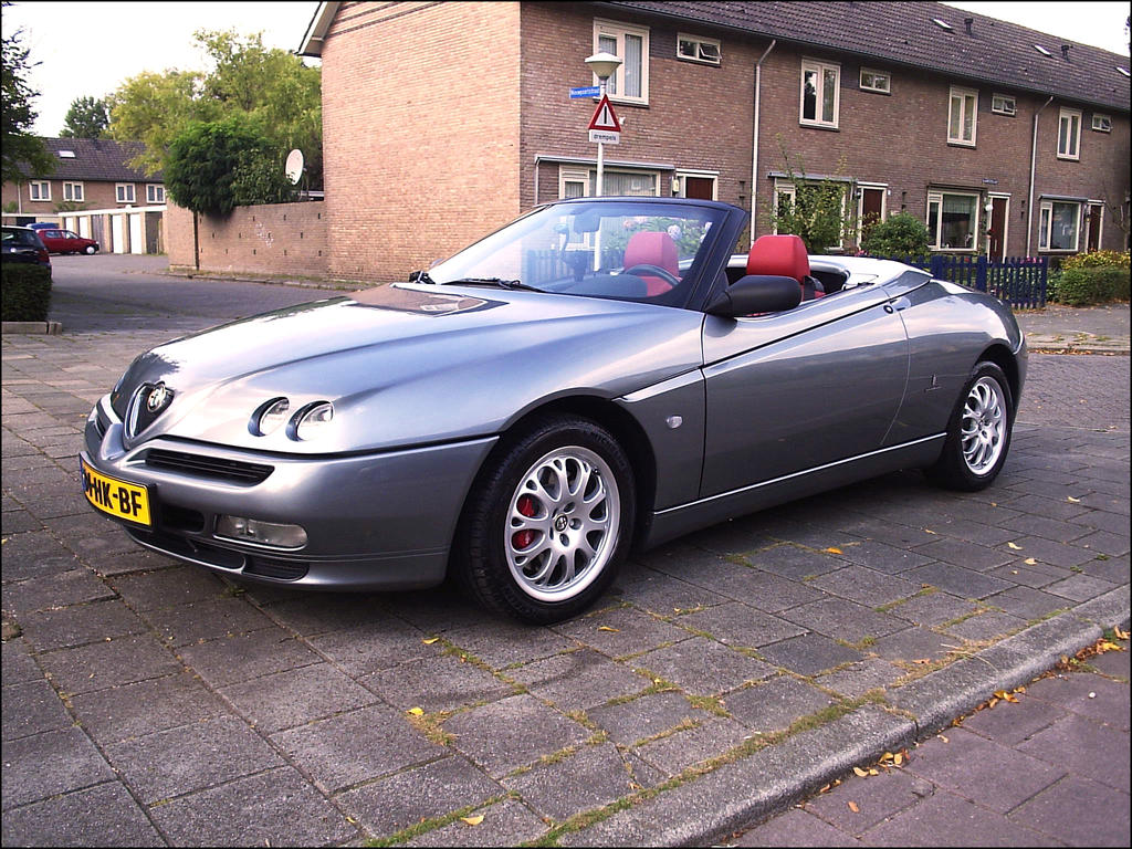 Alfa Romeo Spider 2002 by apple-yigit-jack