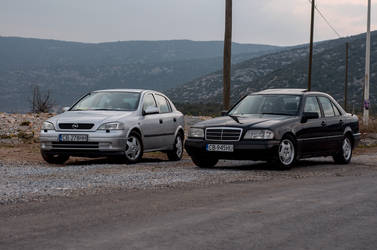 Opel Astra and Mercedes-Benz C-Klasse