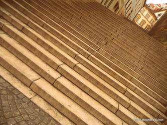 Bel escalier puis-je monter? by montvalerien
