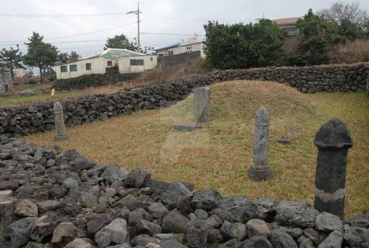 Grave Near Yongduam