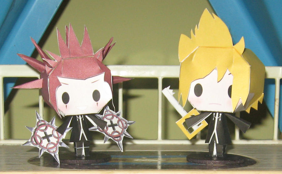 Roxas and Axel - The Chibi Papercrafts by technodrumguy