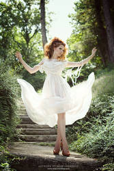 Sun dance by Ophelia-Overdose