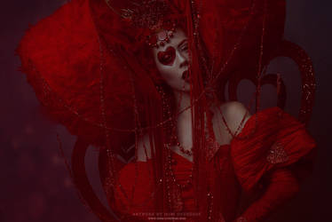 Queen of Hearts by Ophelia-Overdose