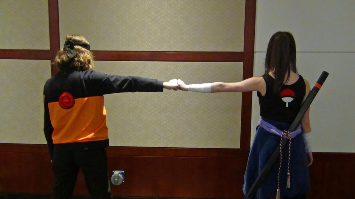 AWA 2014- Female Naruto and Sasuke Fist bump by watercolos