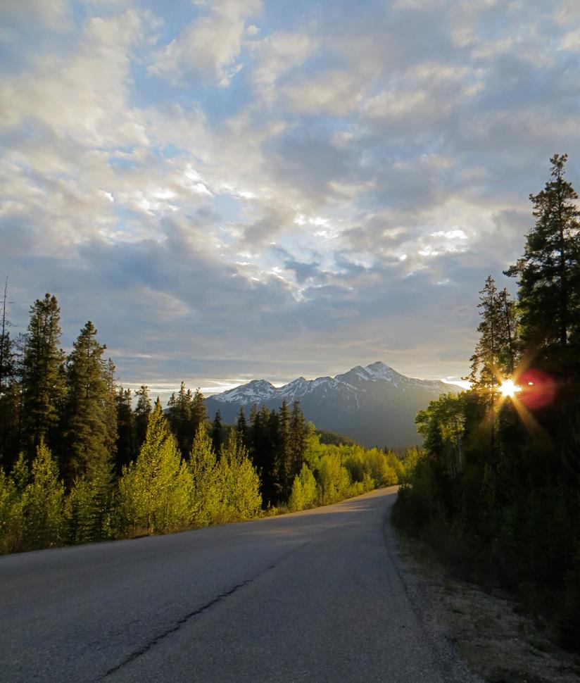 Maligne Lake Road by rmbastey