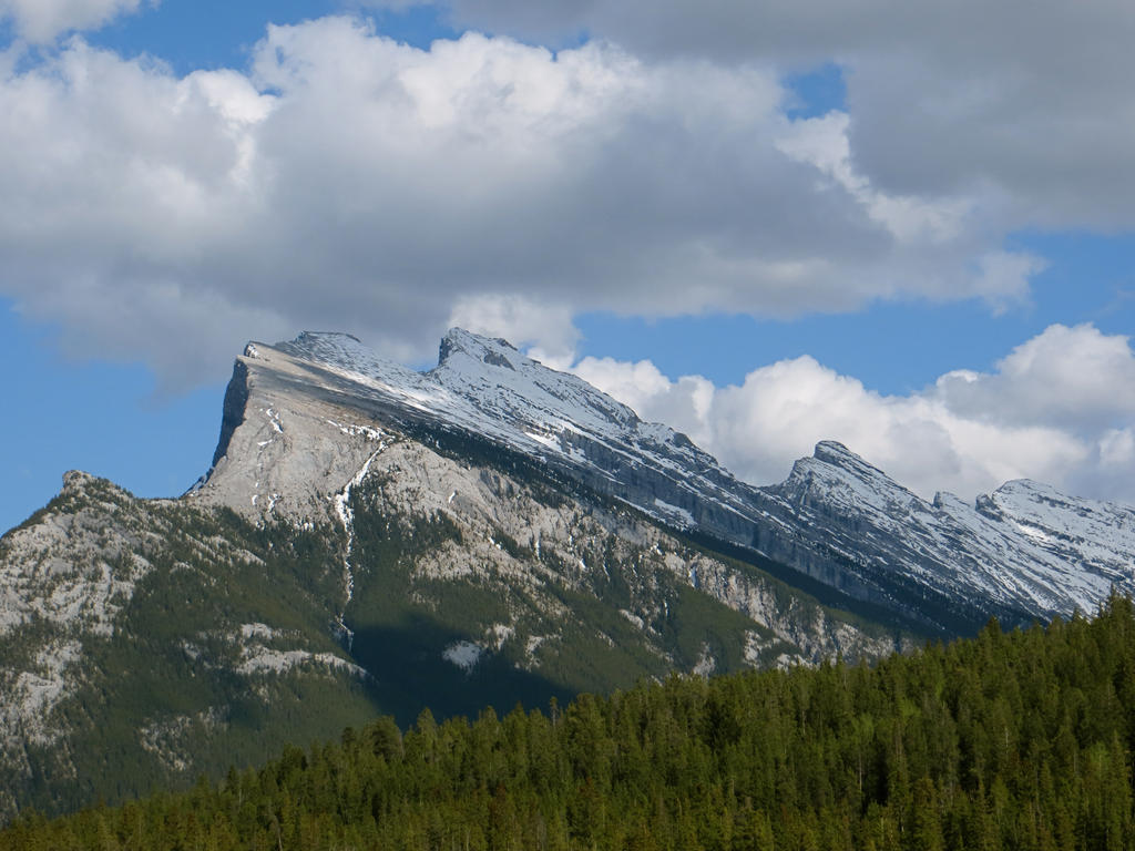 Mt Rundle by rmbastey