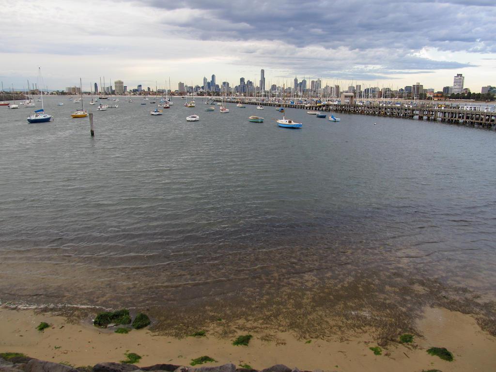 Port Phillip by rmbastey
