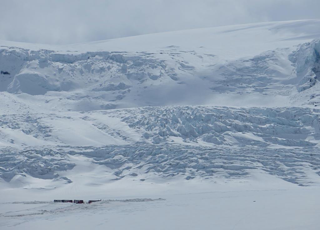Athabasca Glacier by rmbastey