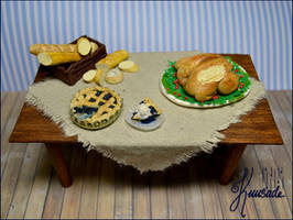 1:12 scale dining table