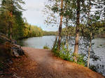 Luukinjarvi, lakeside path