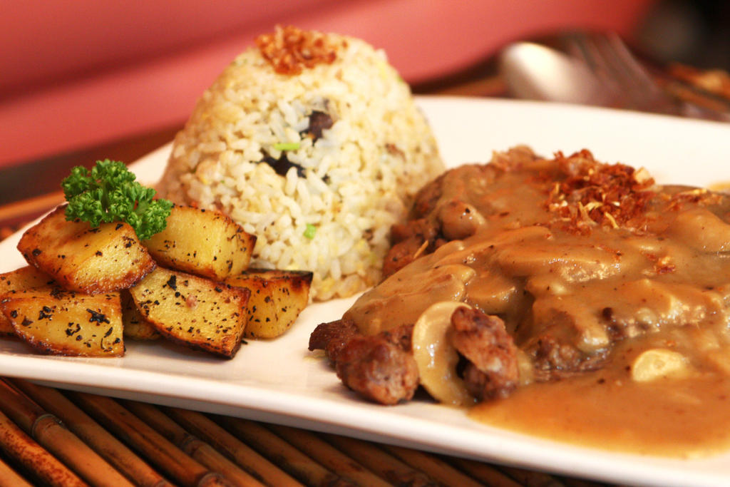 Steak and Potatoes by Foodtrip