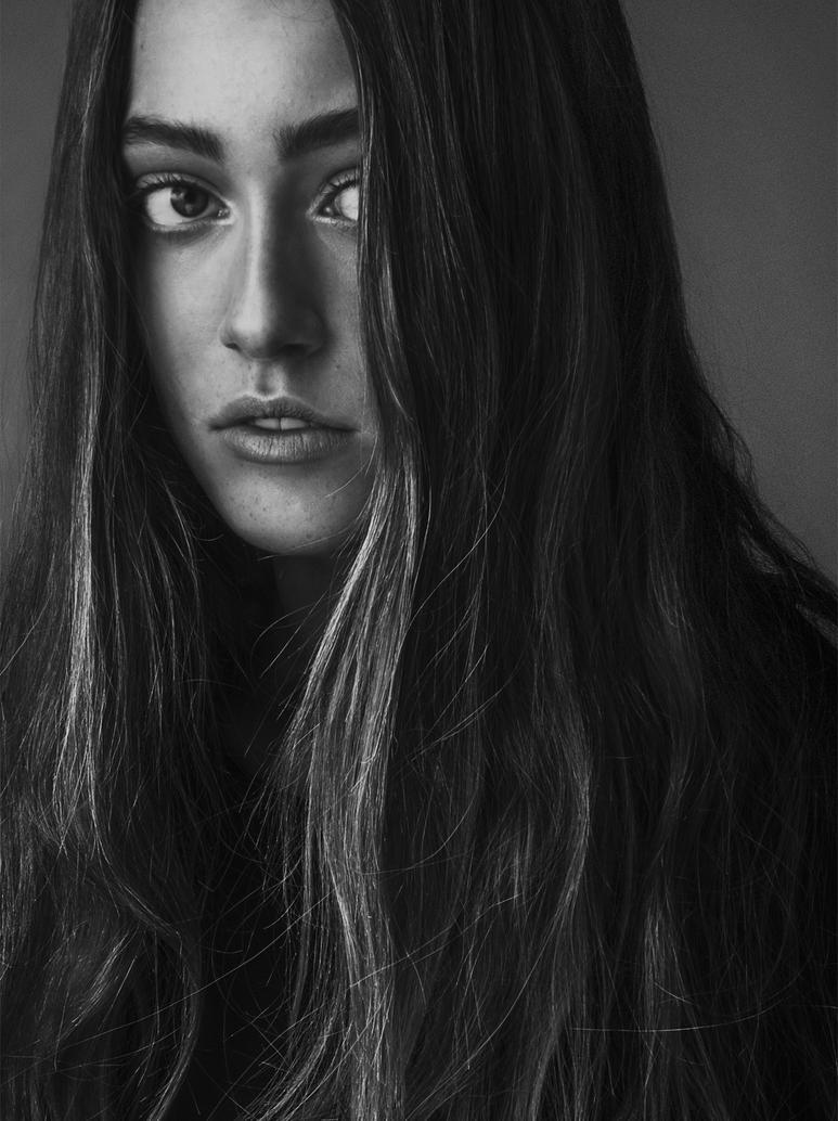 Julia 5 by Bernhardina
