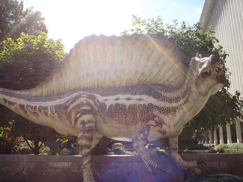 Spinosaurus sculpture by Archanubis