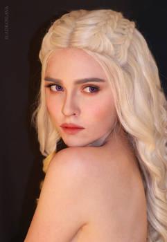 Daenerys Game of Thrones cosplay by Sladkoslava