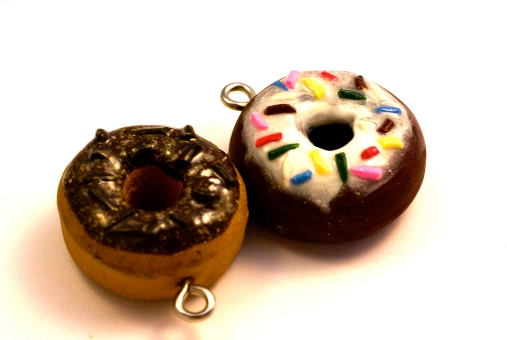 how to make dohnut out of polymer clay