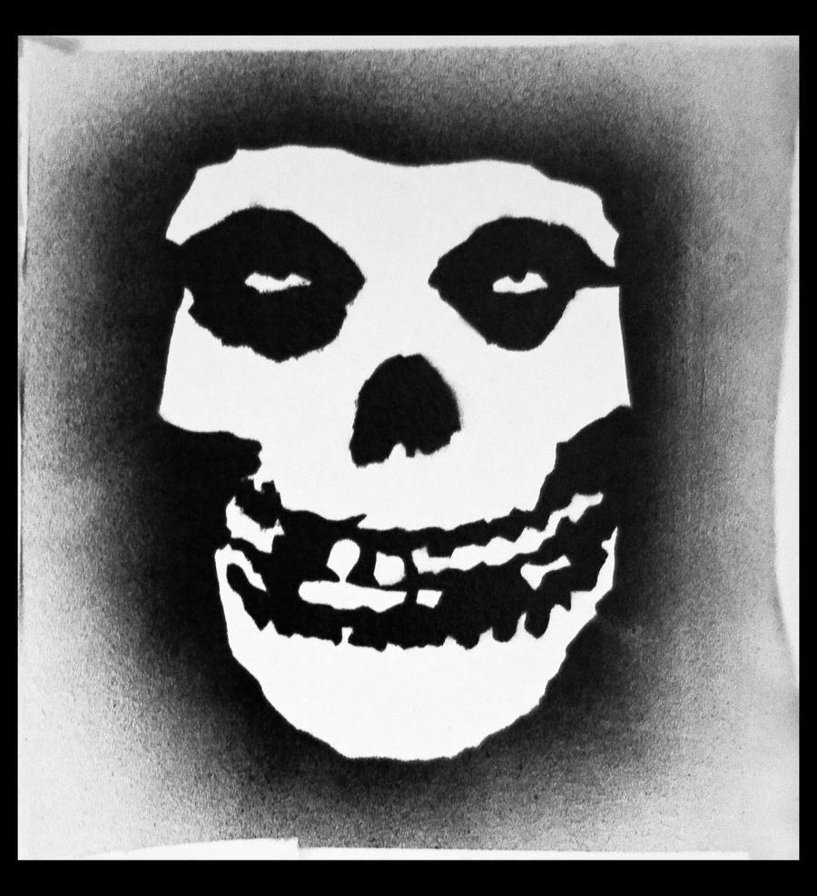 Graffiti Stencils Skull Misfits Fiend Skull graffiti