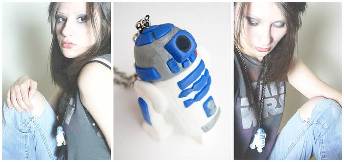 Star Wars | r2d2 Necklace by designandberries