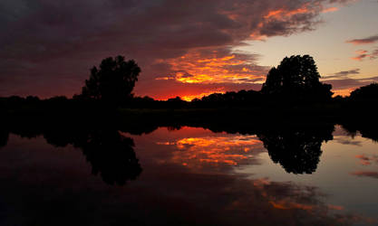 Red Sky At Night. by quaddie