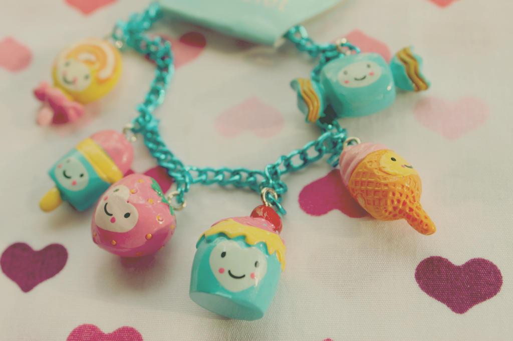 Cute Bracelet by apparate