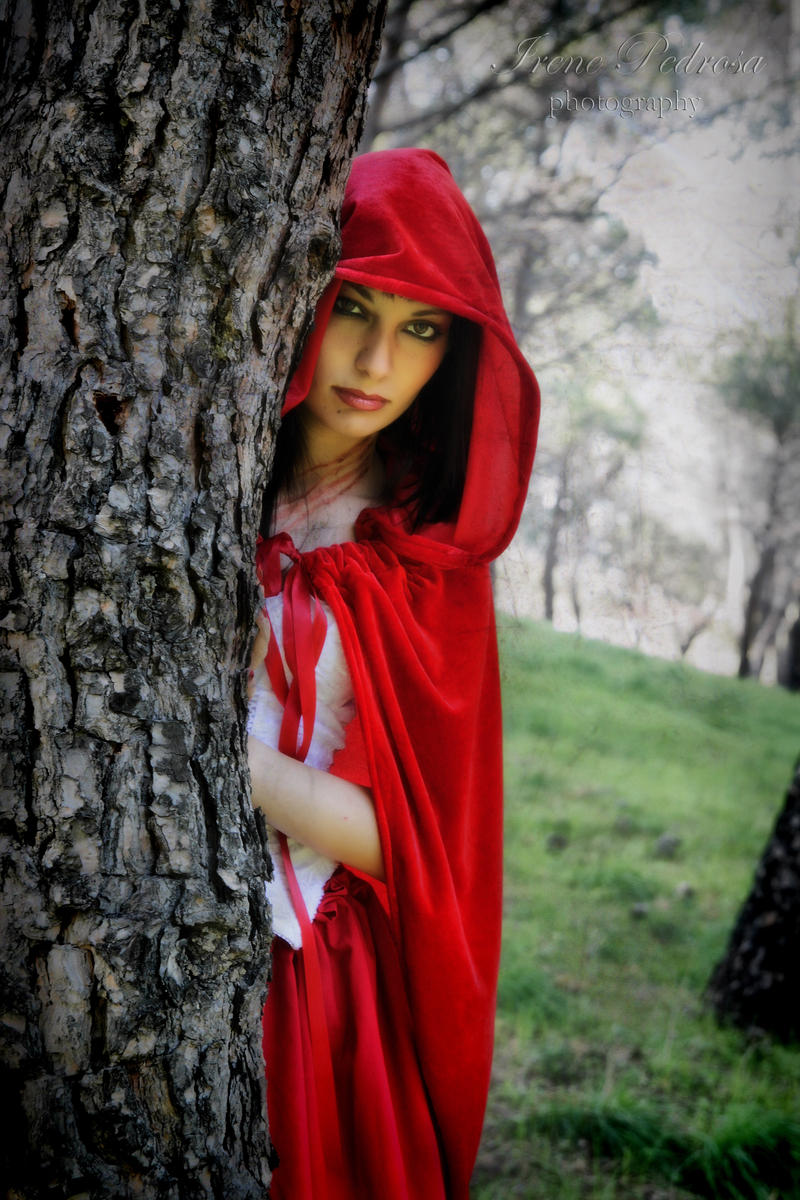dark red riding hood VIII by caperuccita