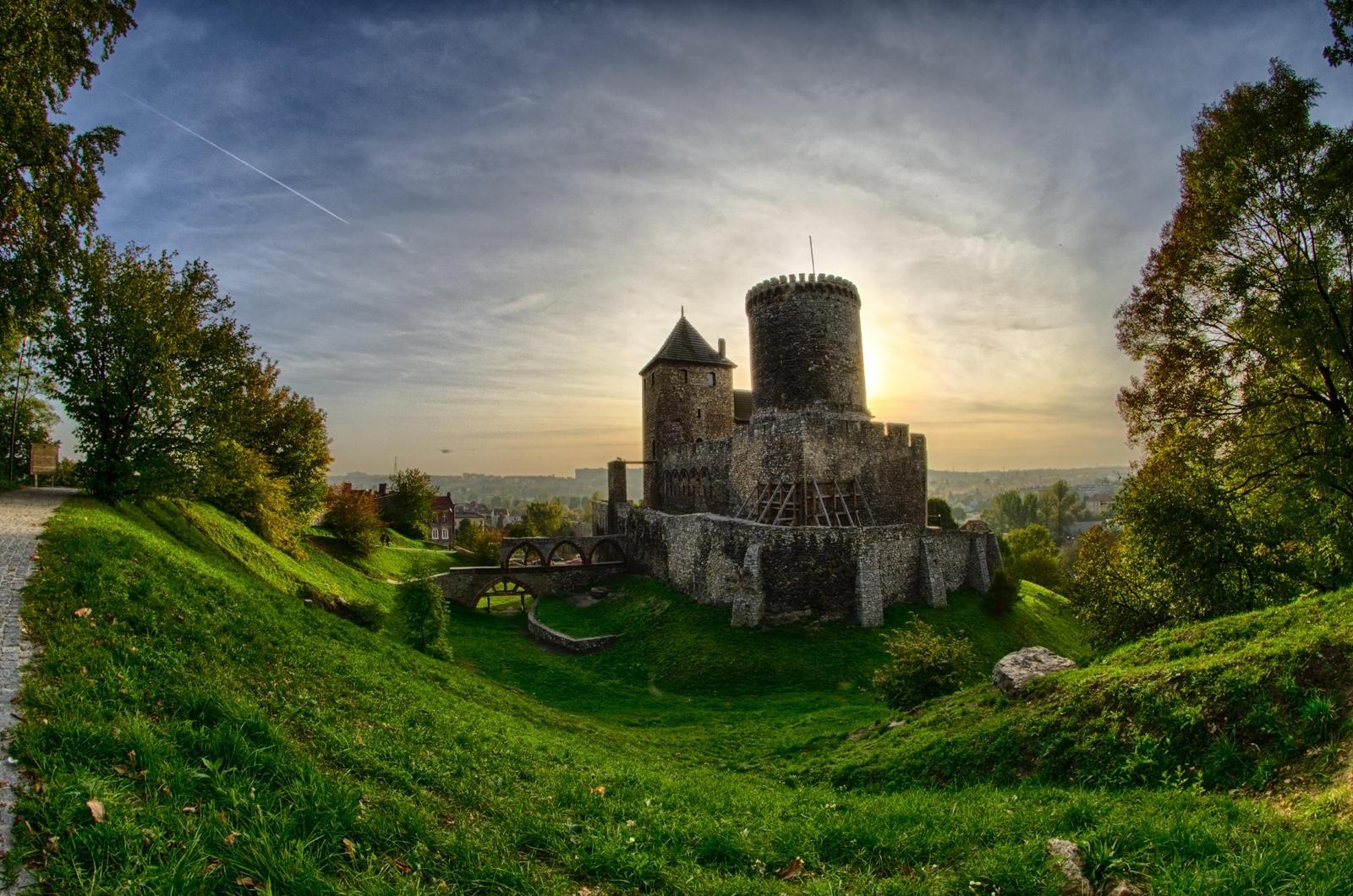 Bedzin Castle by Frytkasis
