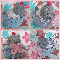 Pusheen Cupcake (with pattern) by mrtweely