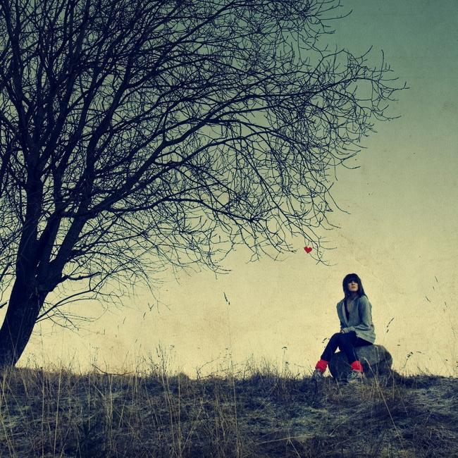 Far beyond by Heleneee