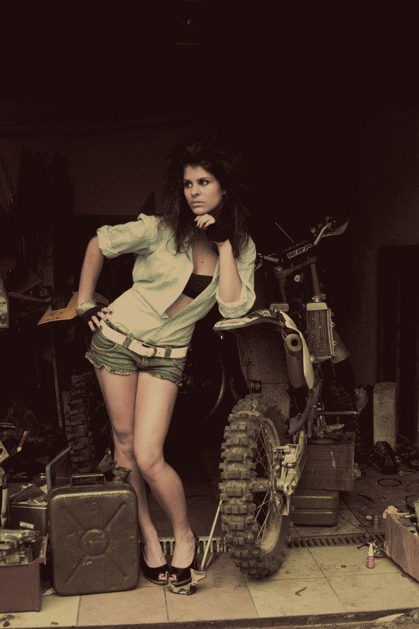 moto girl by ~mrsemily on deviantART