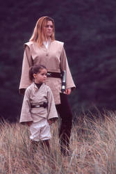 Jedi Knight and youngling