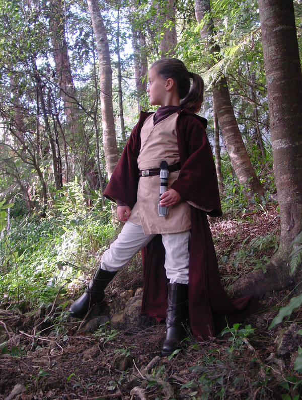 Young Jedi Padawan by AnariaZar-Rel