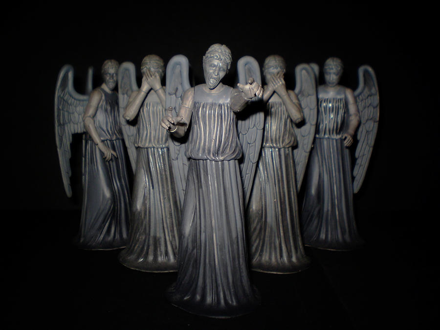 Weeping_Angels_by_CyberDrone.jpg