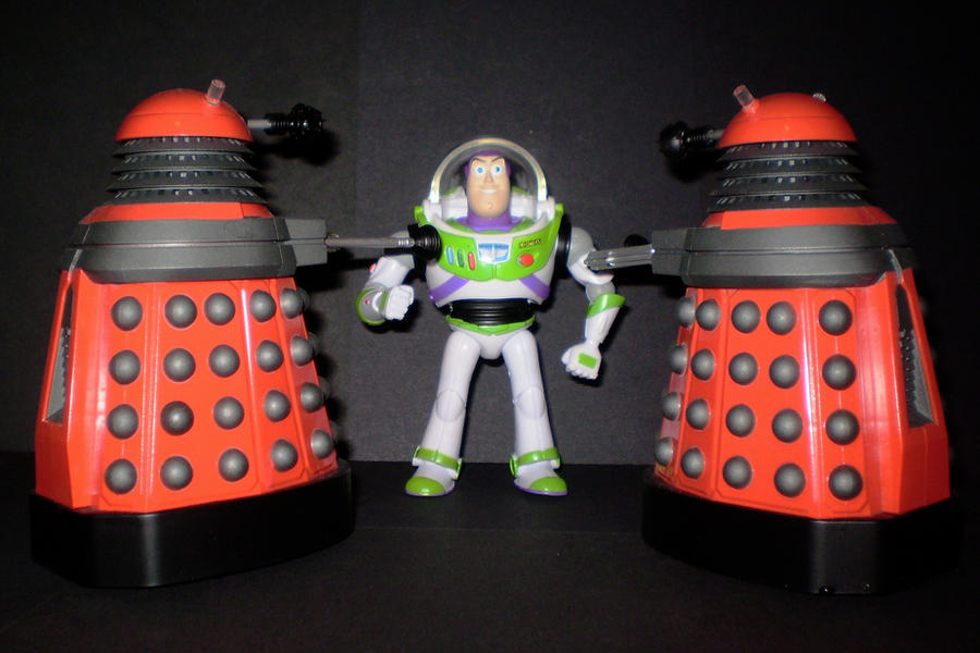 Buzz Vs The Daleks by CyberDrone