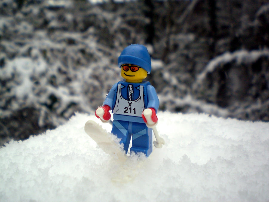 Μάντεψε Ποιός..!  - Σελίδα 6 Lego_skier_mini_figure_by_cyberdrone-d3542id
