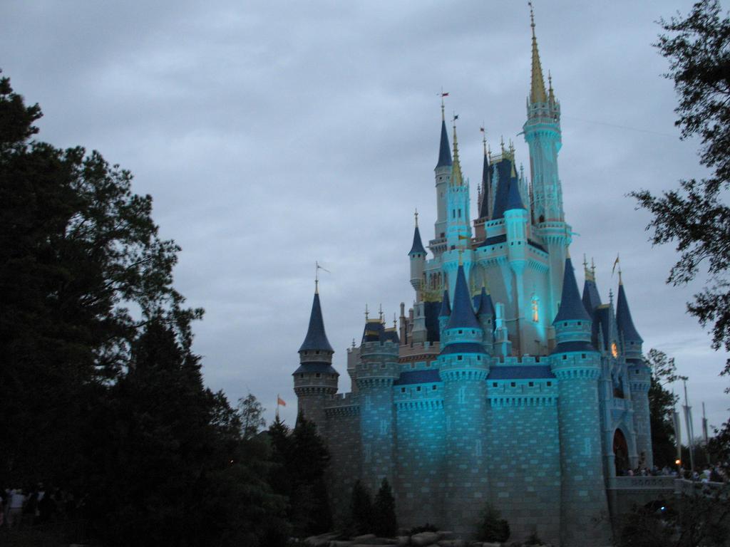 floating castle revers...