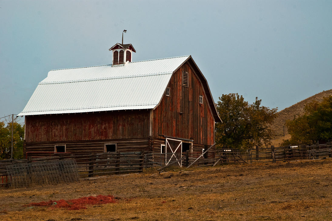 Sanders County Barn by quintmckown