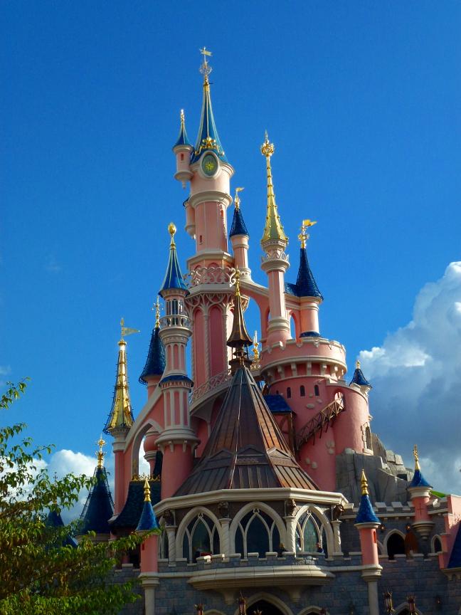 Castle backview by thaliel
