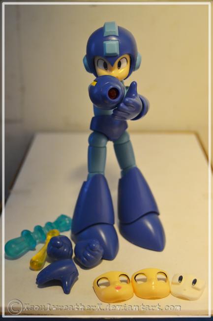 Rockman/Megaman figurine by XsoulwreatherX