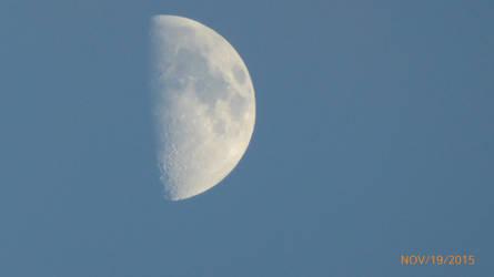 moon by flyinggumm
