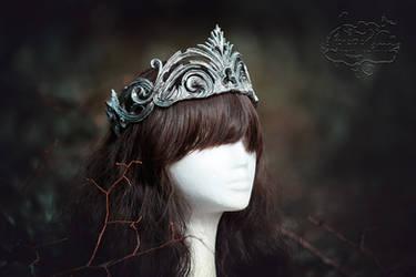 Crown broken in silver by LilifIlane