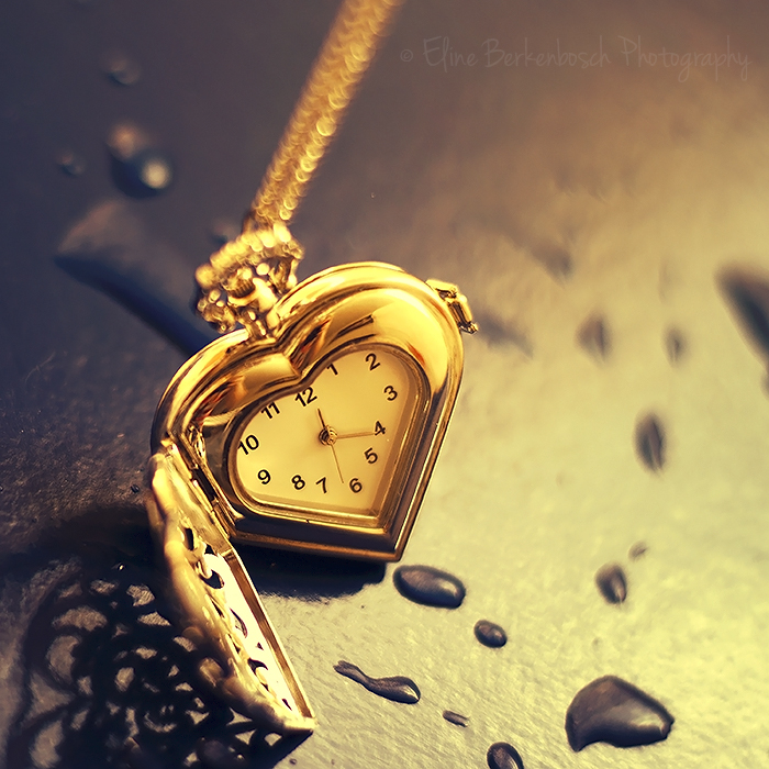 Golden Watch by xOronar