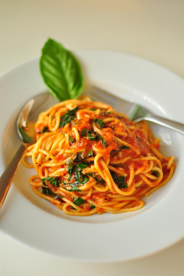 Spaghetti Pomodoro II by Gynormus-Cranius