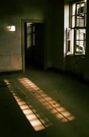 Emptiness by emreekinci